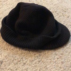 3/10$ Aeropostale black knit billed beanie